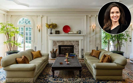 Angelina Jolie's living room Photo TopTenRealEstateDeals