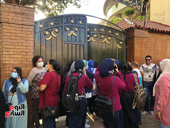 فرحة عودة المدرسة تزين وجوه التلاميذ (14)