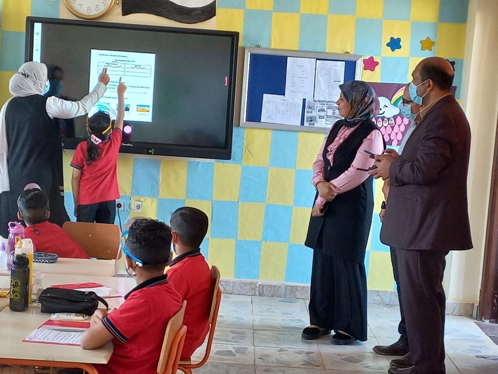 رئيس مركز ومدينة بيلا يتفقد المدرسة المصرية اليابانية بقرية إبشان (7)
