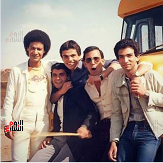 عمرو دياب و الاصدقاء