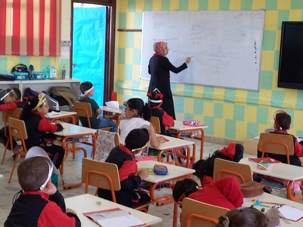 رئيس مركز ومدينة بيلا يتفقد المدرسة المصرية اليابانية بقرية إبشان (8)