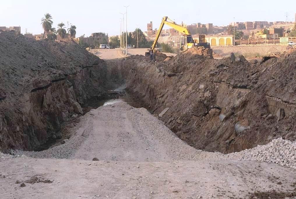 مشروعات ضخمة في قطاع الطرق  (1)