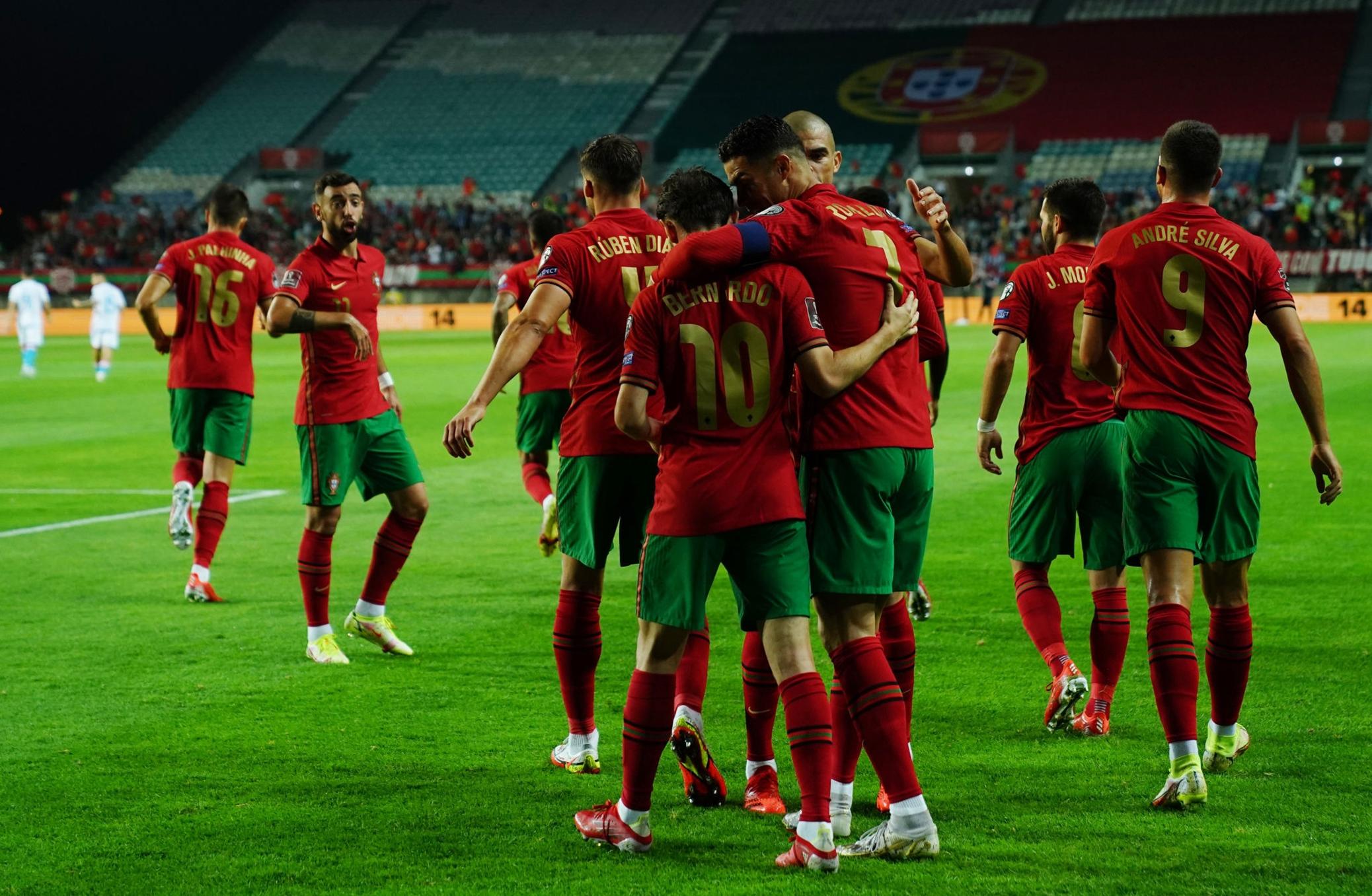 فرحة لاعبى البرتغال
