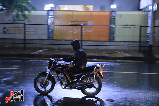 سقوط أمطار خفيفة ومتوسطة (1)