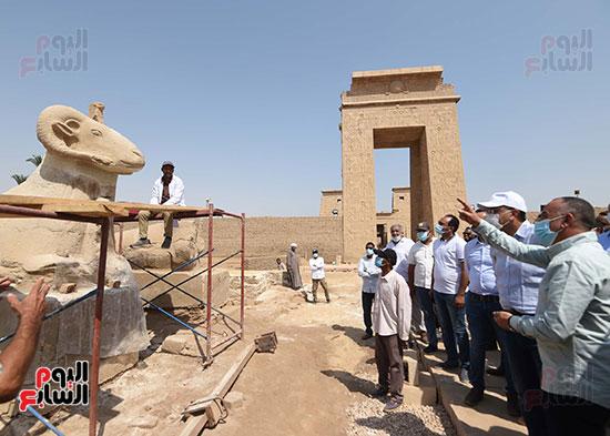 رئيس الوزراء بالأقصر لتفقد المشروعات السياحية والخدمية والتنموية
