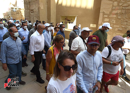جولة رئيس الوزراء لتفقد المشروعات السياحية والخدمية والتنموية
