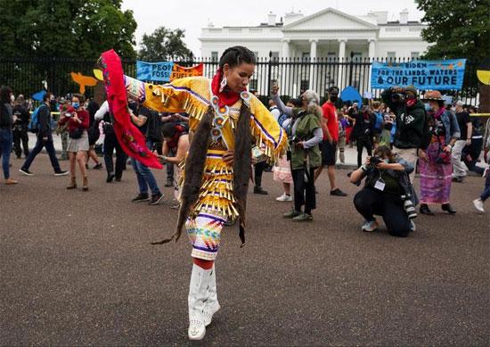 احتفالات الشعوب الأصلية ، خارج البيت الأبيض.