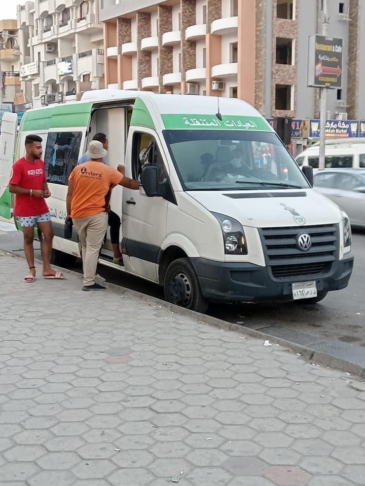 الفرق الطبية لتطعيم المواطنين  (6)