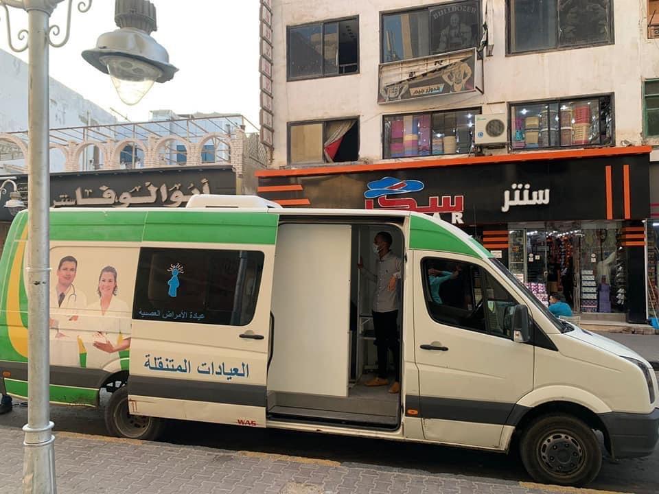 الفرق الطبية لتطعيم المواطنين  (2)