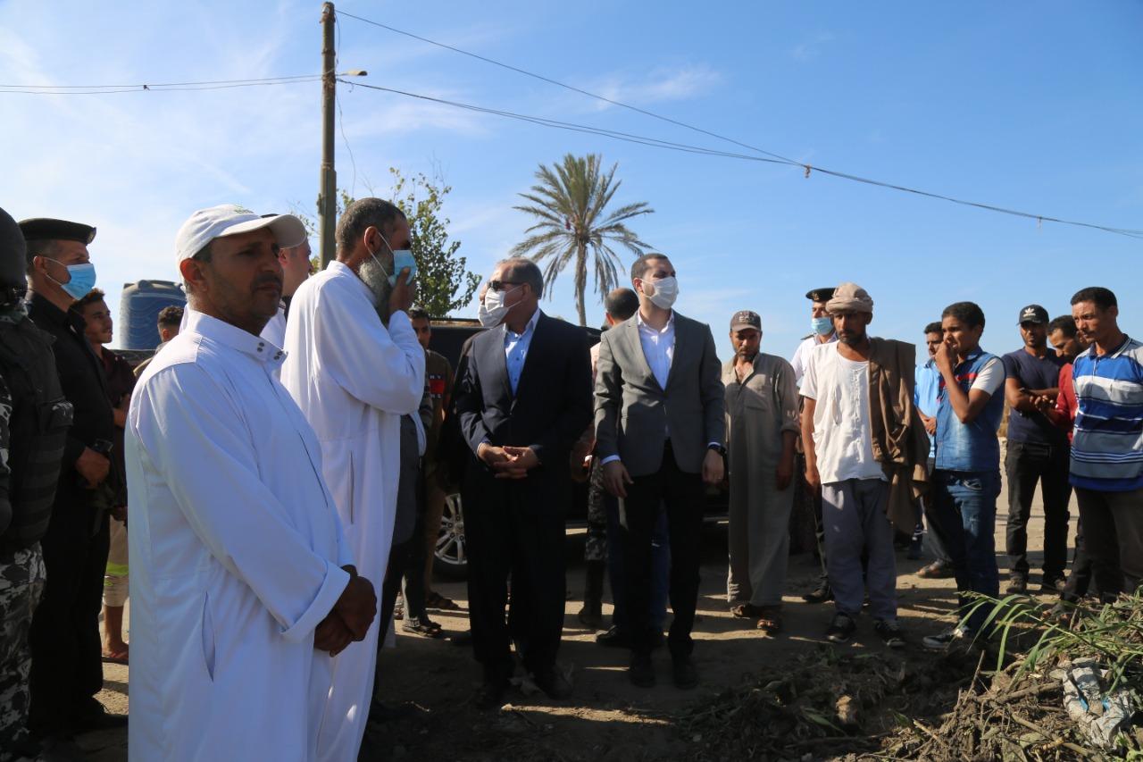 محافظ كفر الشيخ يستمع لاهالي