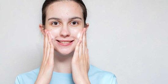 وصفات  للتخلص من الحبوب الصغيرة في الوجه