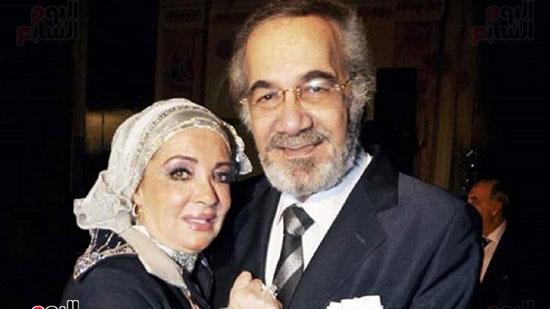 محمود ياسين وزوجتة مشيرة