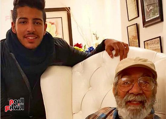 محمود ياسين و حفيد