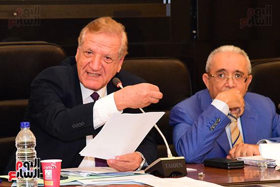 لجنة الخطة والموازنة (13)