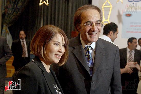 محمود ياسين وبوسى