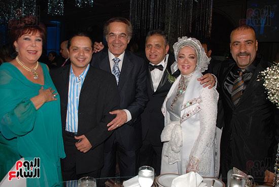 محمود ياسين و شهيرة و احمد السبكى و محمد هنيدى و محمد سعد و رجاء الجداوى