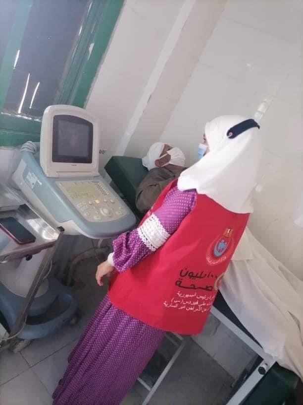 الفرق الطبية لتطعيم المواطنين  (5)