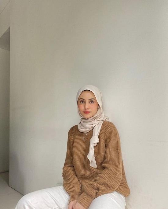 أفكار لتنسيق ملابس التريكو مع الحجاب (21)