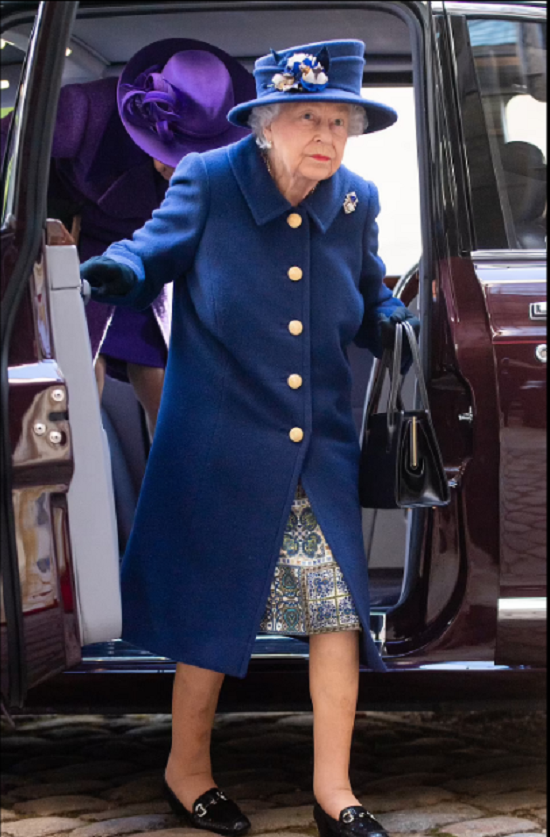 صورة أخرى للملكة