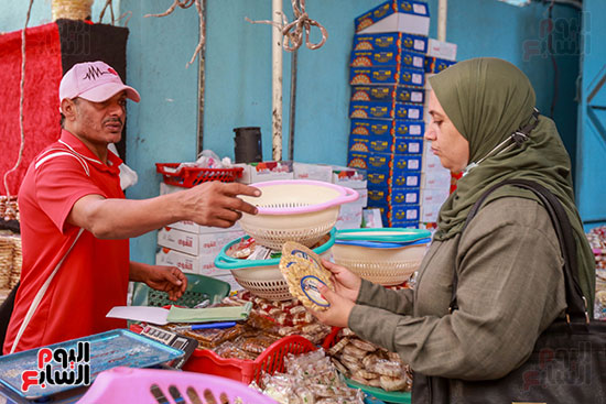 شراء حلوى المولد