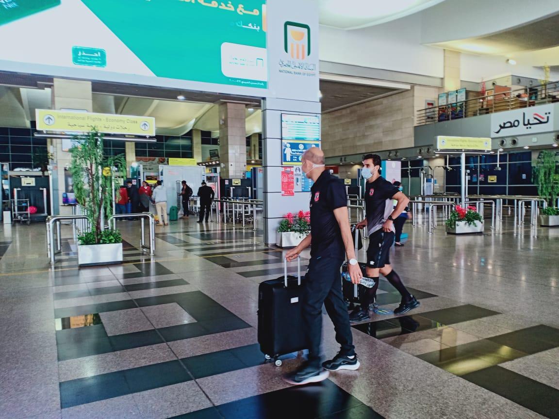بعثة الأهلى قبل مغادرة مطار القاهرة