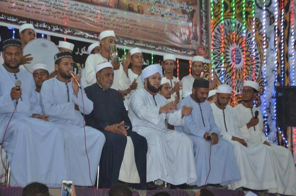 فرقة الانشاد الديني باسنا تبهج الجمهور بالمليونية