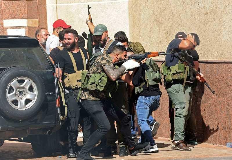 بيروت تتحول إلى ساحة حرب (15)