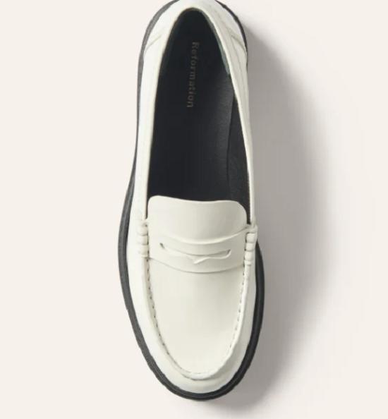 حذاء كلاسيكى