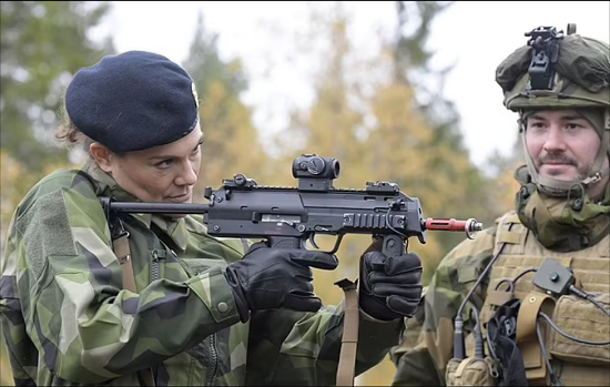 Princess Victoria abandons her femininity and wears military clothes (5)
