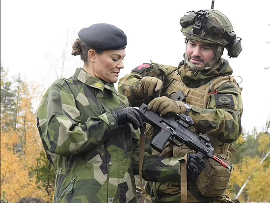 Princess Victoria ditches her femininity and wears military clothes (3)