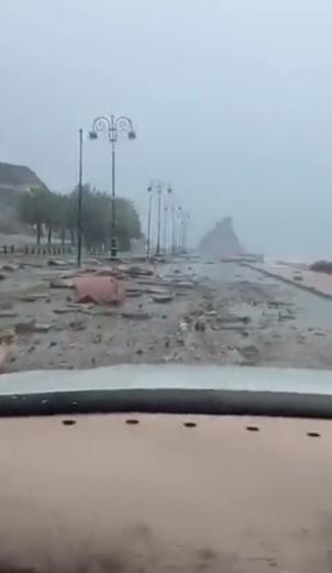 اضرار الاعصار فى عمان