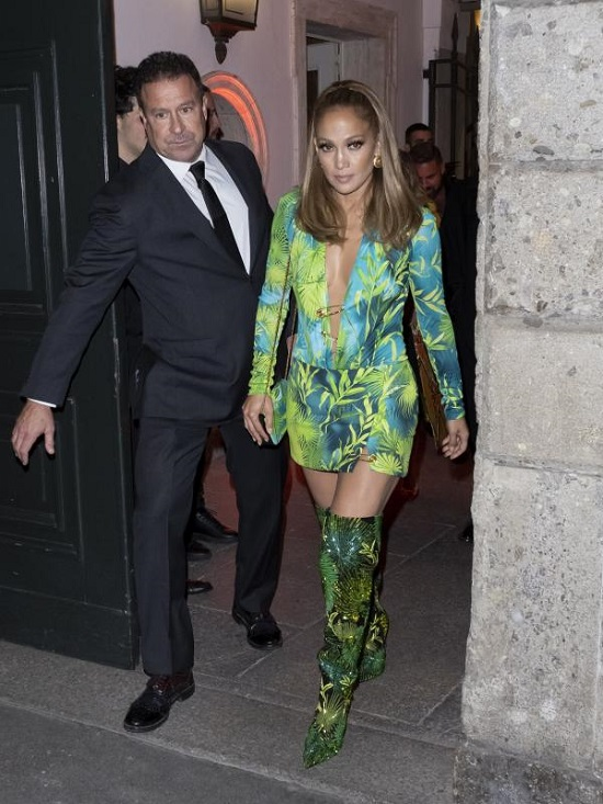 The most beautiful short dresses by Versace (8)