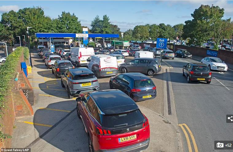 محطات الوقود في بريطانيا