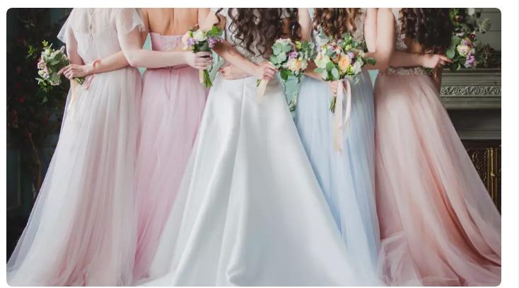 سيدة تتبرع بفساتين زفاف للممرضات