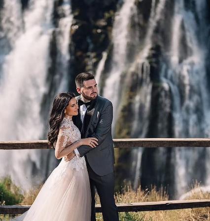 زفاف أمام شلالات فيكتوريا