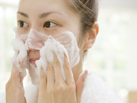 Natural recipes to clean the skin