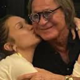 Bella Hadid with her father (1)