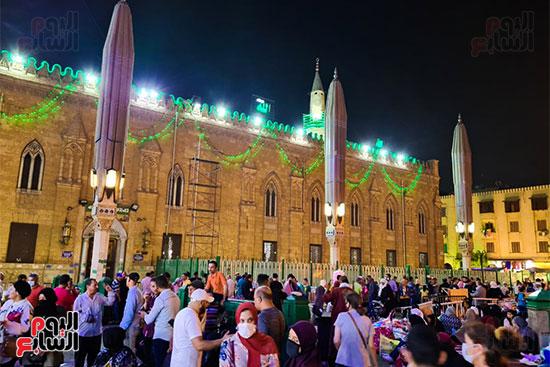 مسجد الحسين من الخارج