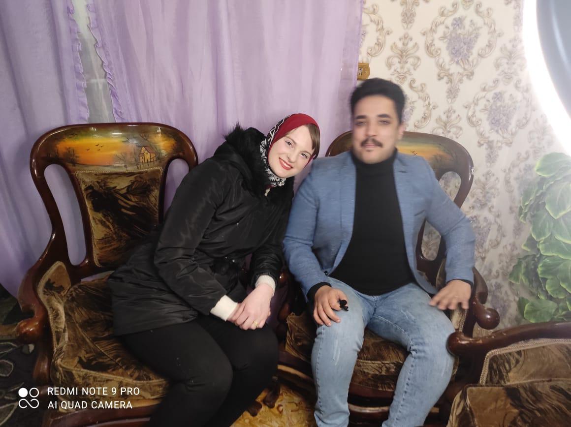 إلسا الهولندية مع زوجها الإسكندرانى وليد المصرى (1)