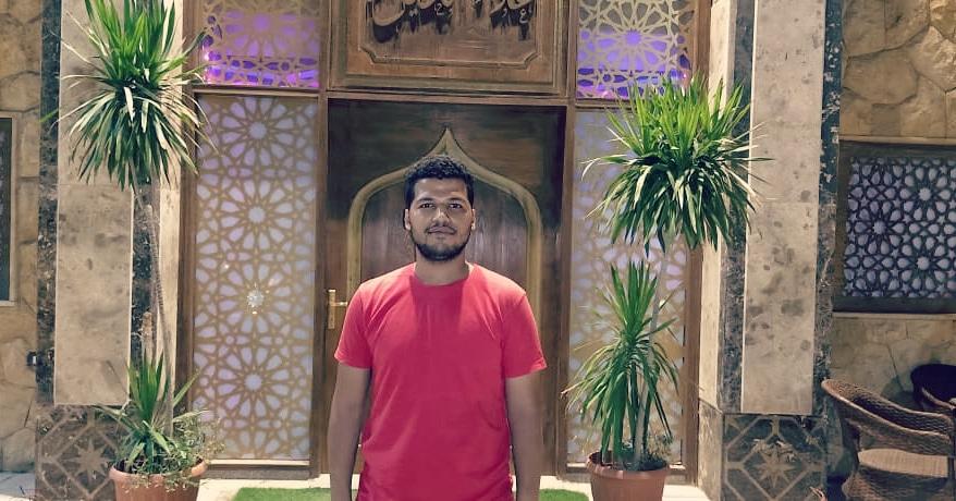 محمود عبد الله يبحث عن اسرته