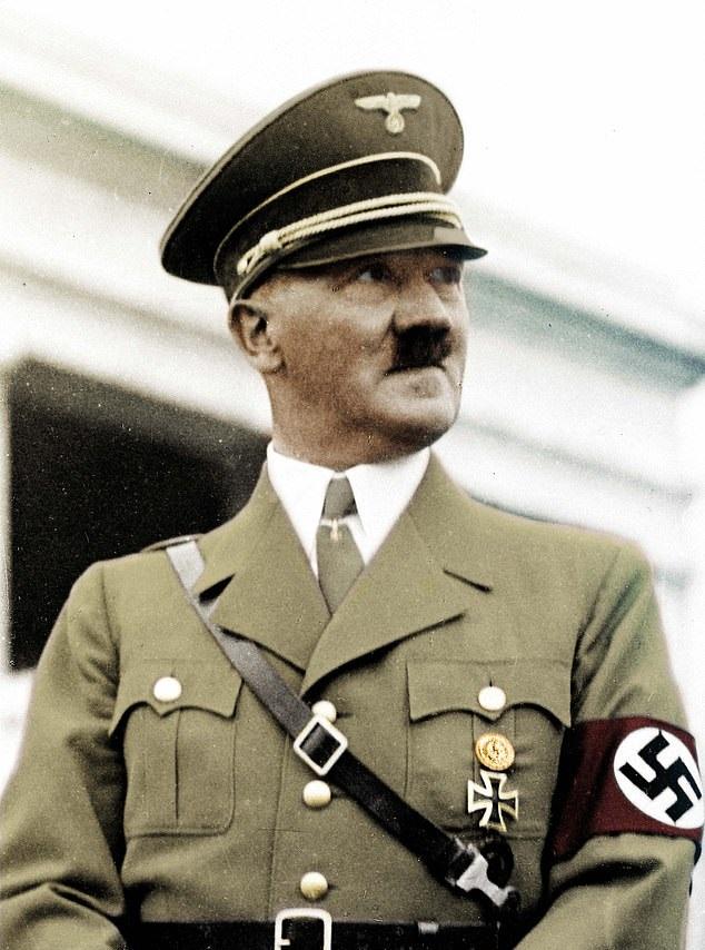 مقعد حمام الزعيم النازى هتلر معروض في مزاد علنى في أمريكا (6)