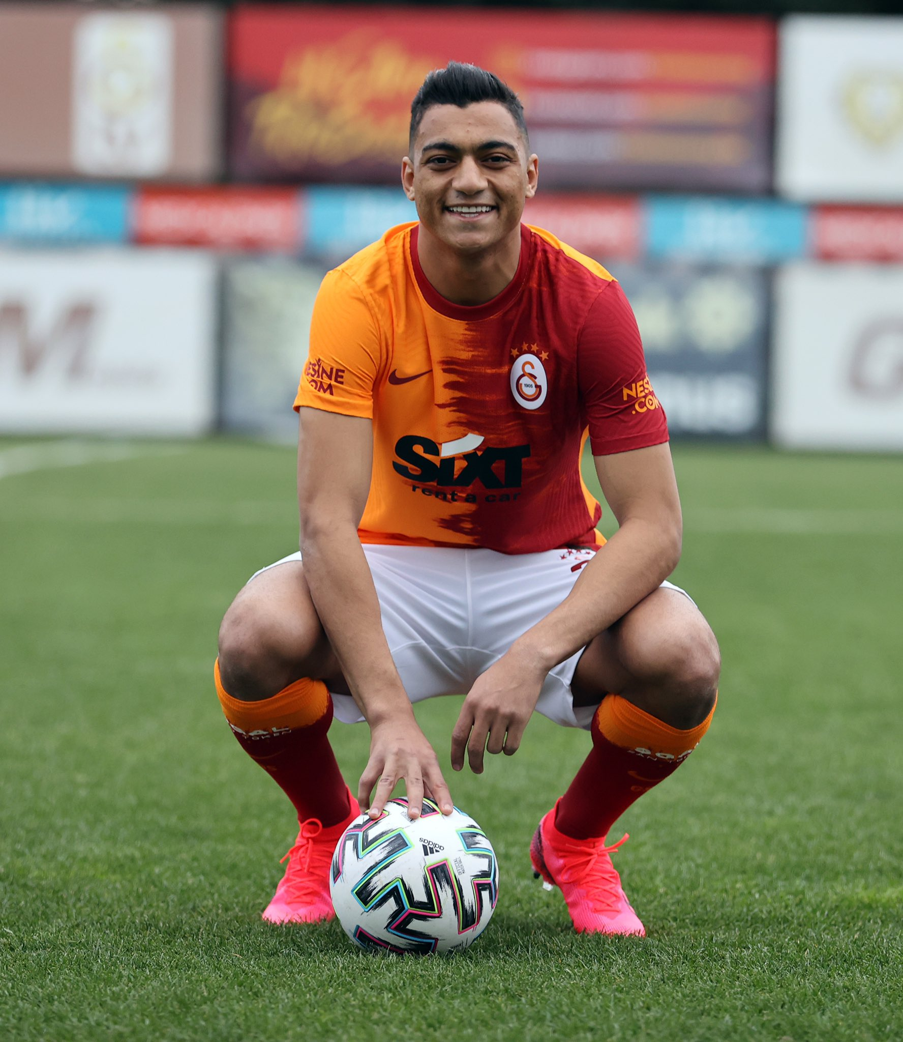 Mustafa Mohamed is a player from Galatasaray