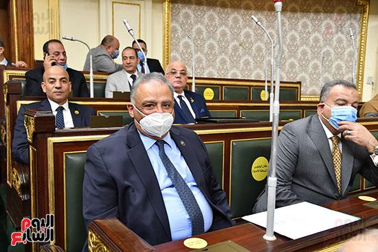 أعضاء مجلس النوب يستمعون لكلمة وزير المالية