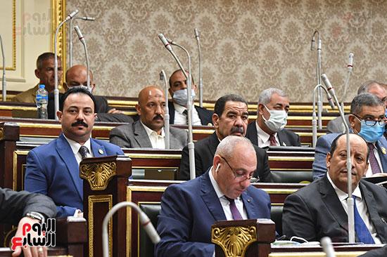 جانب من النواب خلال الجلسة العامة