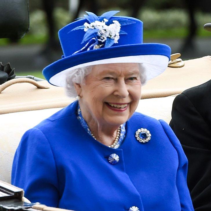 بروش الملكة فيكتوريا