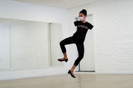 فيتوريا بوينو تركتها حالتها الوراثية بدون ذراعين