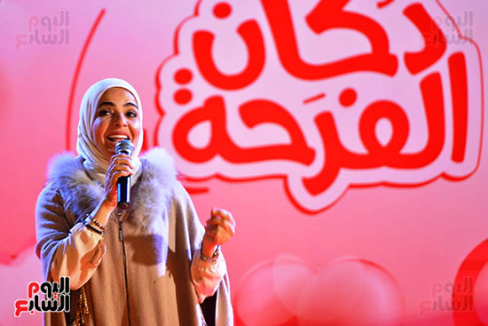 تحيا مصر يسلم 158 فتاة أولى بالرعاية تجهيزات الزواج (13)