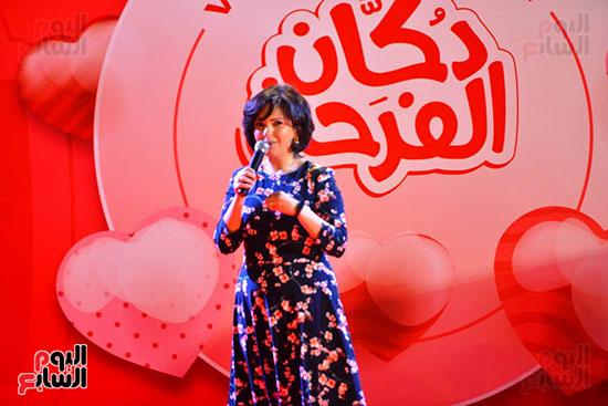 تحيا مصر يسلم 158 فتاة أولى بالرعاية تجهيزات الزواج (19)