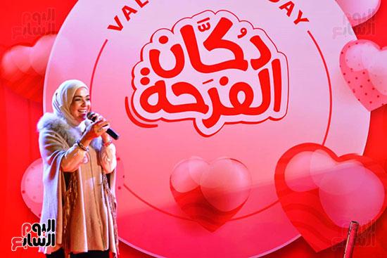 تحيا مصر يسلم 158 فتاة أولى بالرعاية تجهيزات الزواج (9)
