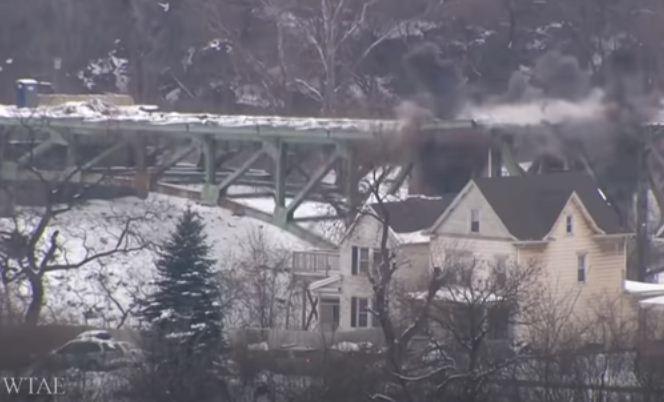 لحظة تفجير الجسر